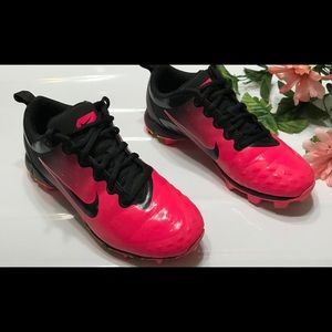 Nike Shoes - NikeSize 4.5 Fastflex softball shoes for women
